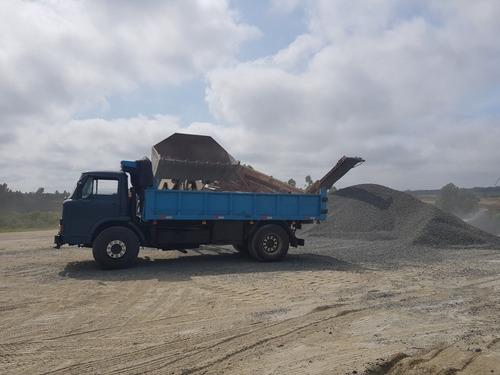 alquiler de retroexcavadoras y camiónes volcadora trabajos