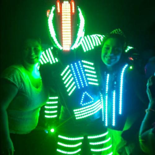 alquiler de robot led!!