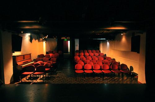 alquiler de salas de teatro. para armar tu escuela
