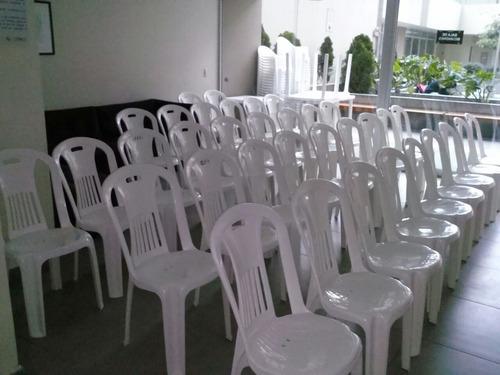 alquiler de sillas y mesas de plástico - a domicilio