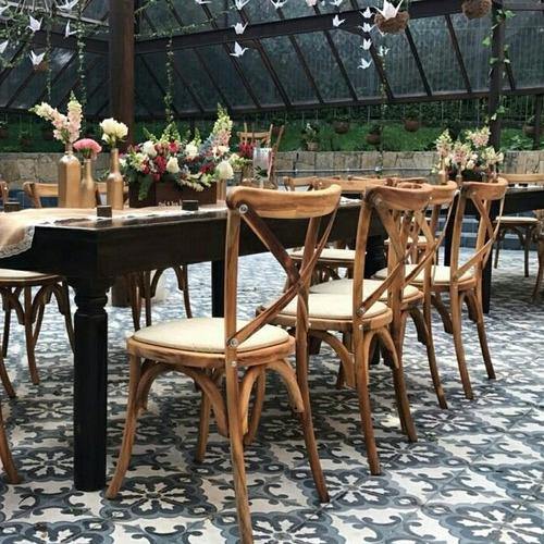 alquiler de sillas y mesas para todo tipo de evento