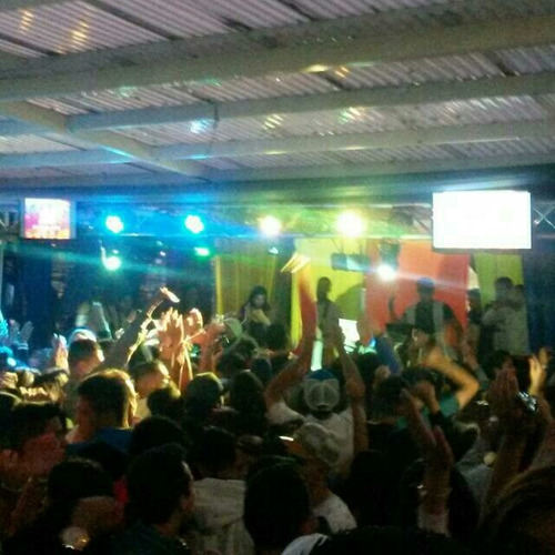 alquiler de sonido dj luces neon video beam karaoke fiesta