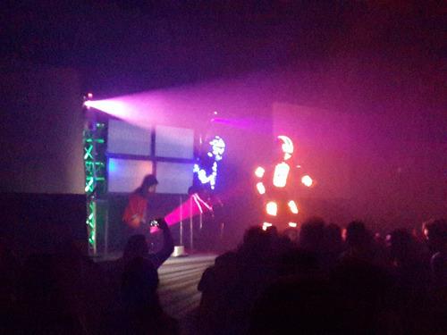 alquiler de sonido profesional miniteca discplay dj fiestas