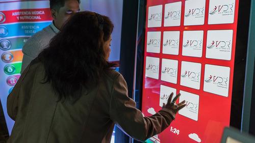 alquiler de totems interactivos, pantallas tactiles touch