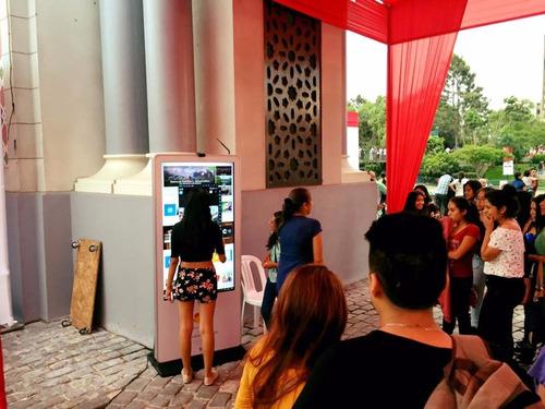 alquiler de totems interactivos touch de 47¨,55,75 tactil