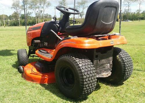 alquiler de tractor cortacesped
