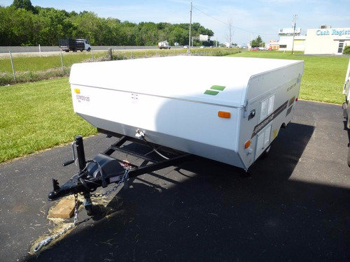 alquiler de trailer carpa - $ 1.300 por día