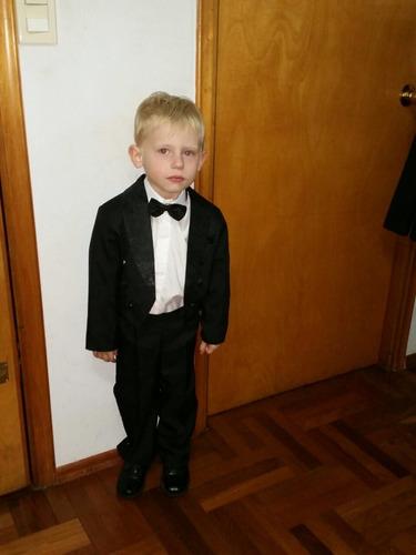 alquiler  de trajes de hombres y niños