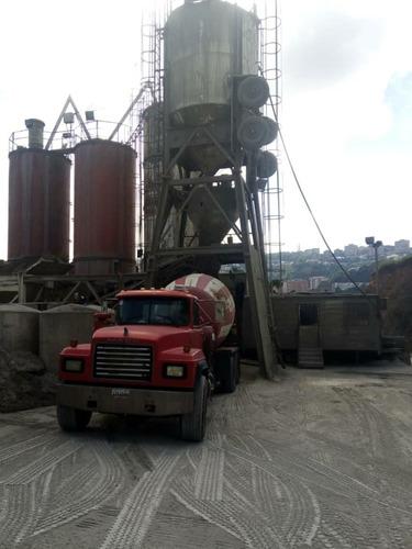 alquiler de trompos y venta de concreto , cemento y agregado
