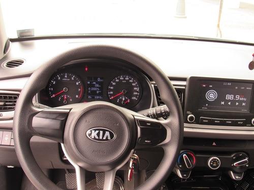 alquiler de vehiculo kia rio hatcback 2018