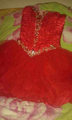 alquiler de vestido para 15 años corto de princesa rojo