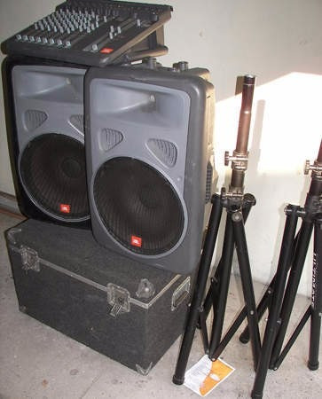 alquiler de video beam, karaoke y sonido profesional