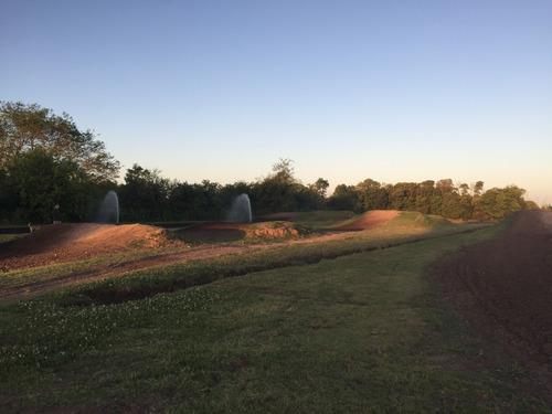 alquiler de zanjadora - zanjeos - instalaciones  de riego