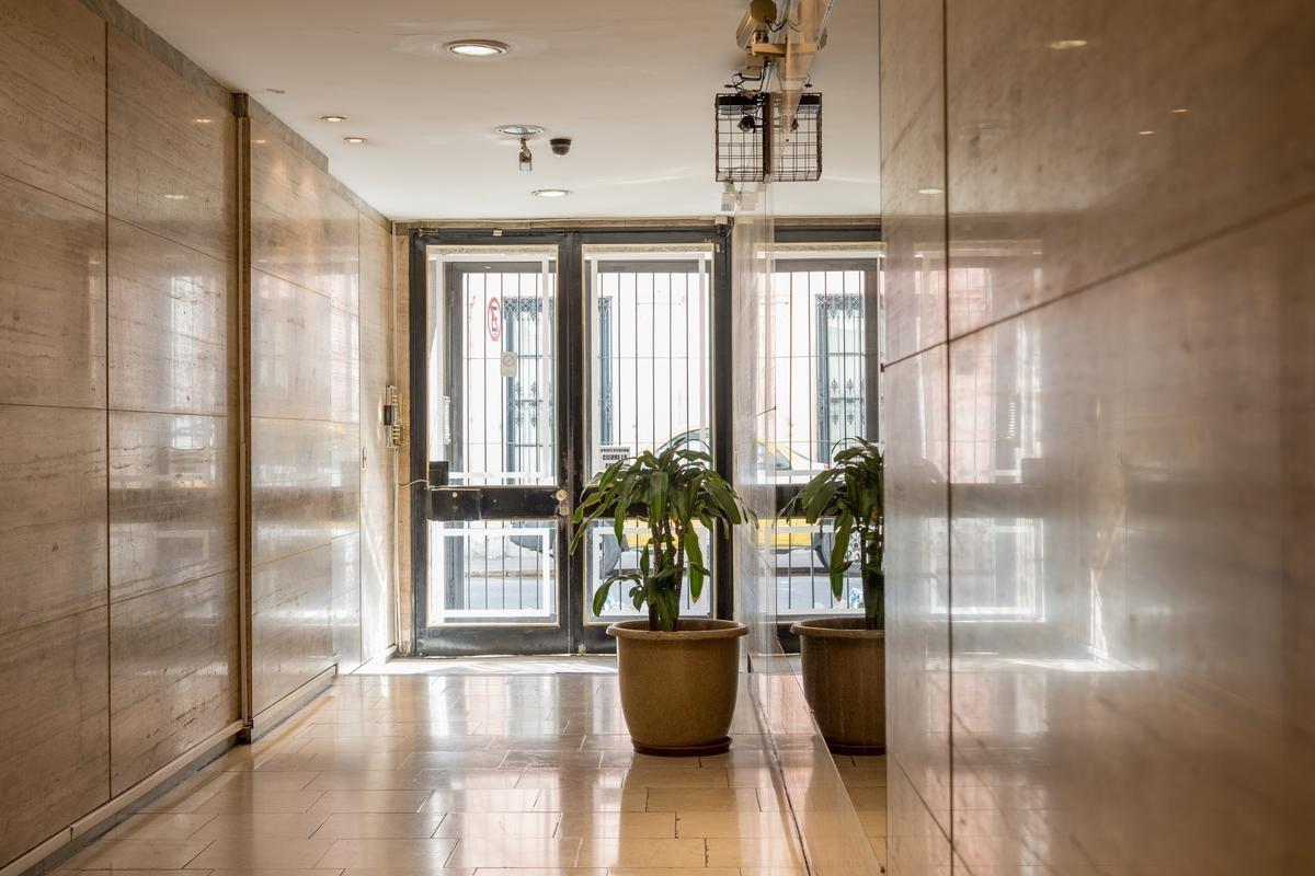 alquiler departamento de  4  ambientes en sarmiento al 1200