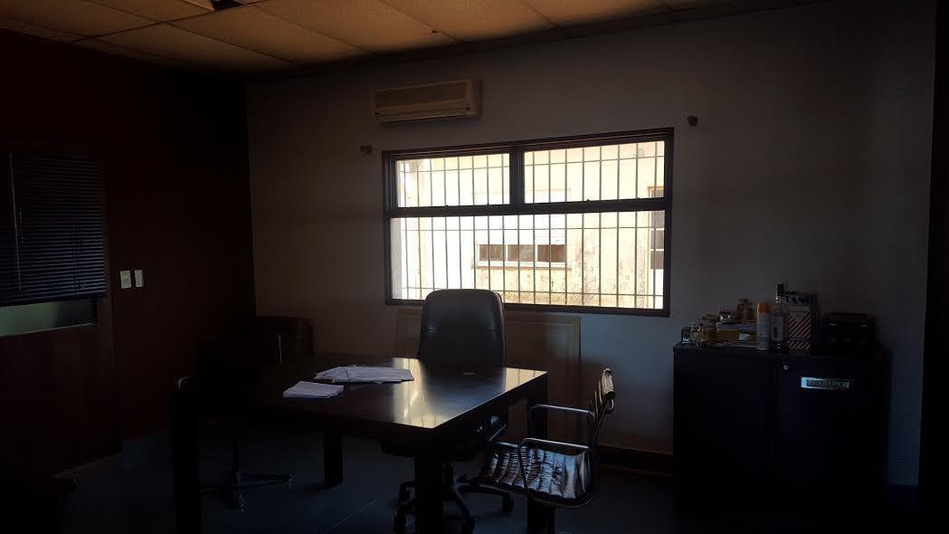 alquiler deposito martinez con oficinas y showroom