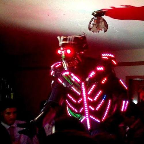 alquiler discplay miniteca robot led hora loca animador