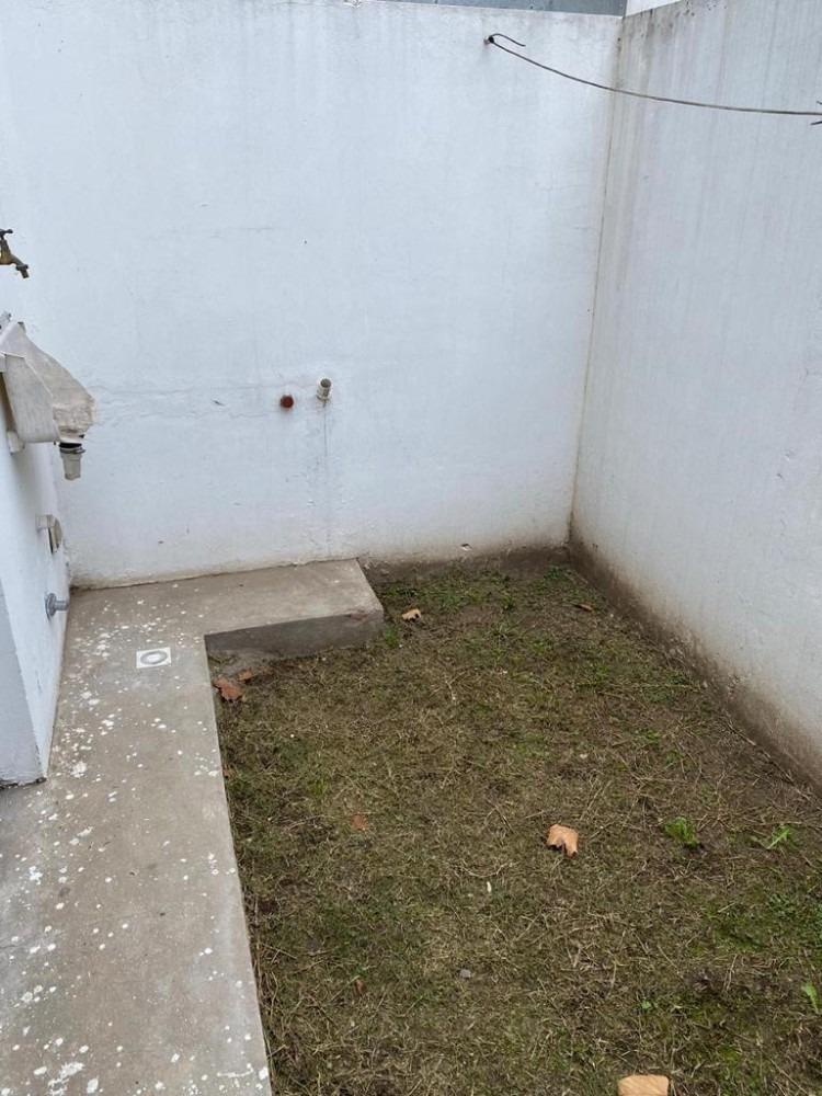 alquiler dpto dos amb. planta baja con patio y cochera