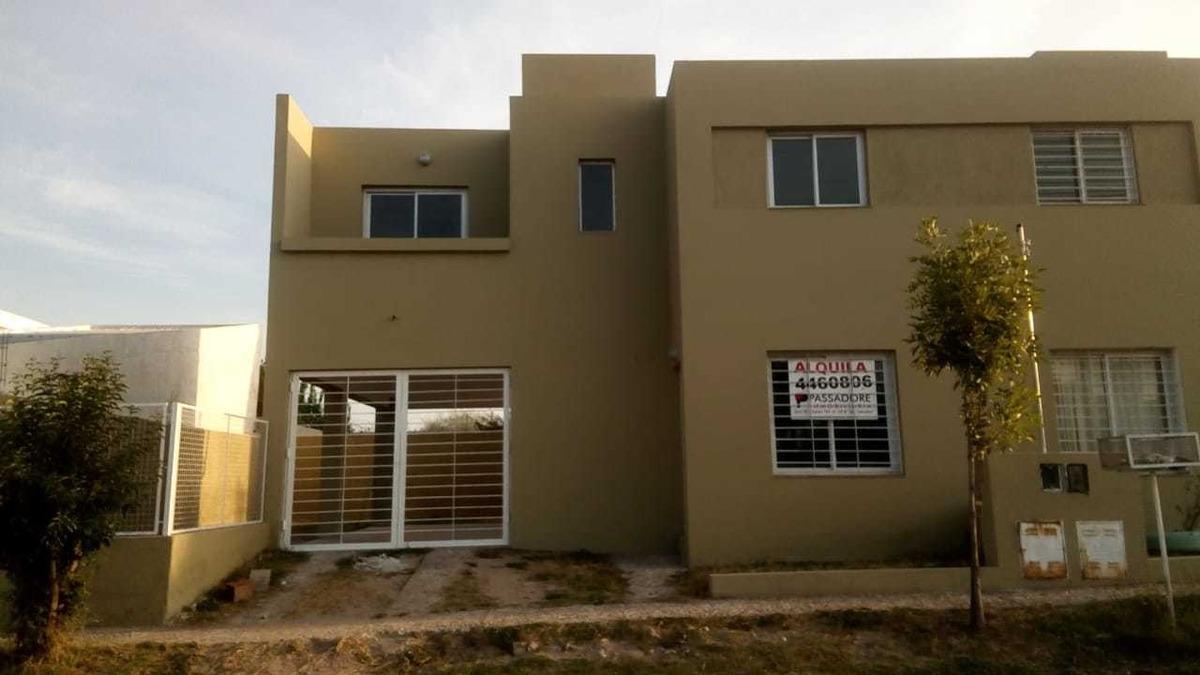 alquiler duplex b° nuevo urca (urbanizacion gandhi)