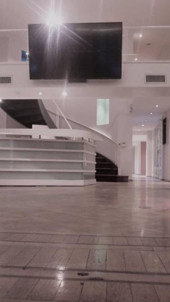 alquiler edificio comercial - oficinas en  barrio norte - elegante