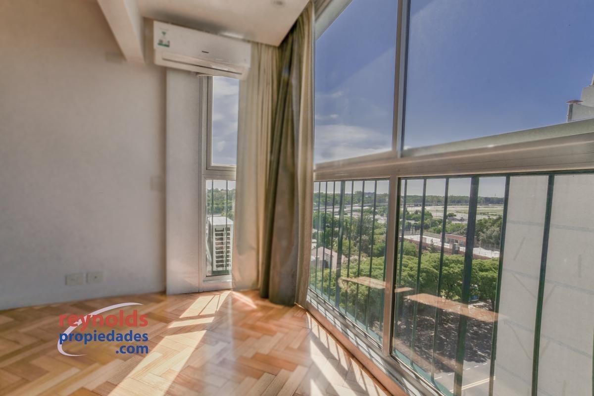 ¡alquiler en pesos en piso 12º, lleno de luz y vista, 195 m2 cubiertos,   12 m2 de balcón, 2 dormitorios, cochera!