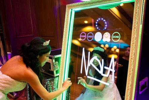 alquiler espejo magico cabina fotos inflable  cabina selfie