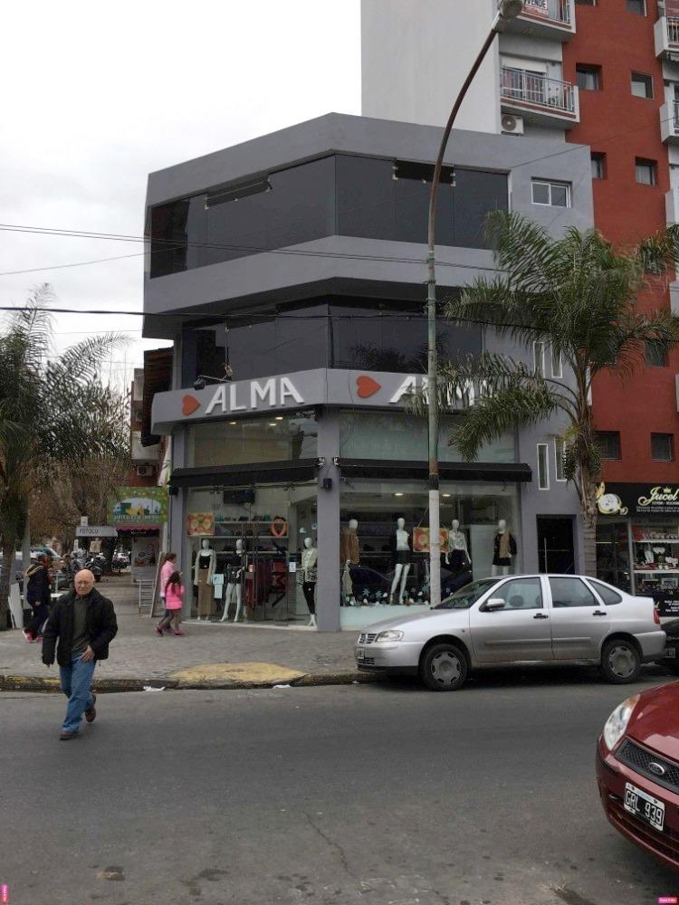alquiler excelente local a la calle en esquina exc ubicacion
