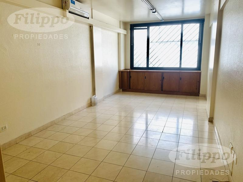 alquiler: excelente oficina apto profesional - 45 mts - muy luminosa - 2 aires acondicionados f/c