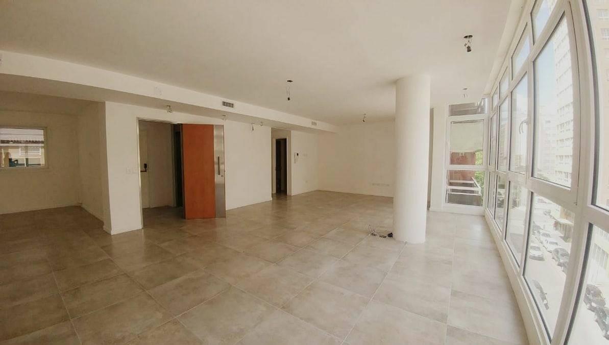 alquiler excelente pisos de oficinas- office- baño y antebaño-