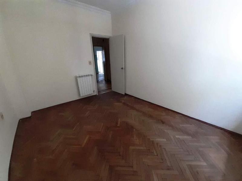 alquiler excelente planta baja de 2 dormitorios más servicio!!!