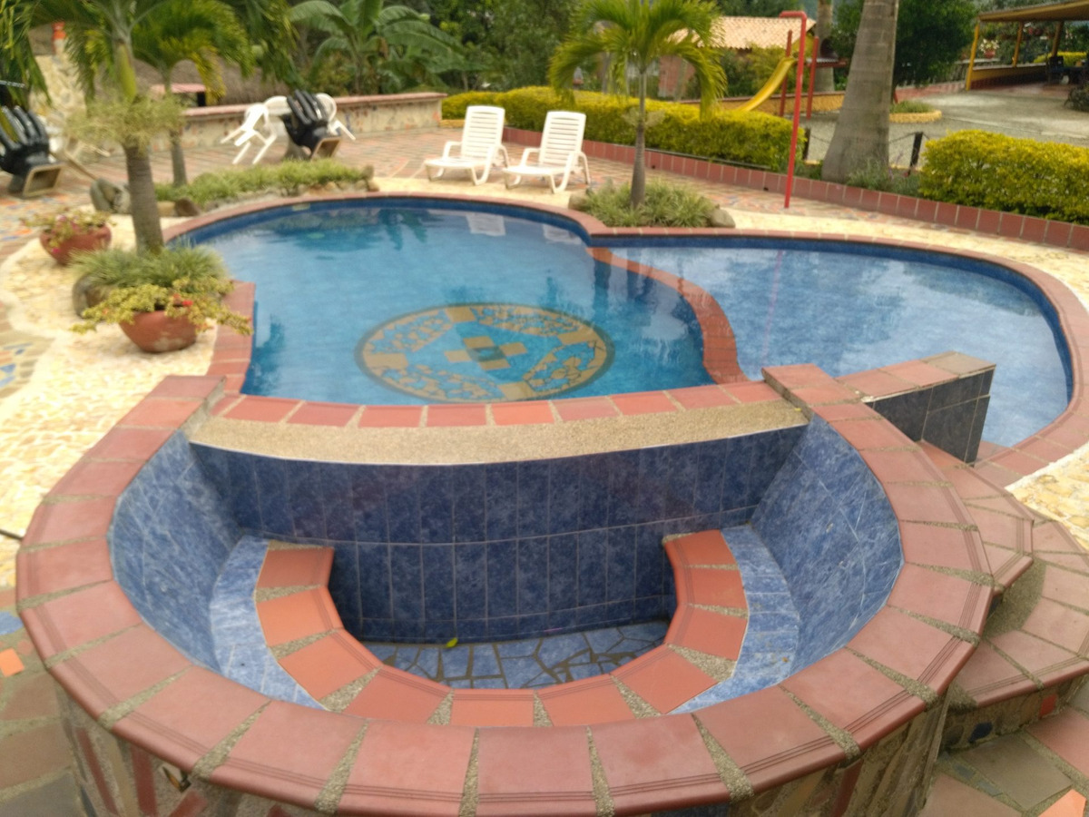alquiler finca copacabana código 617710