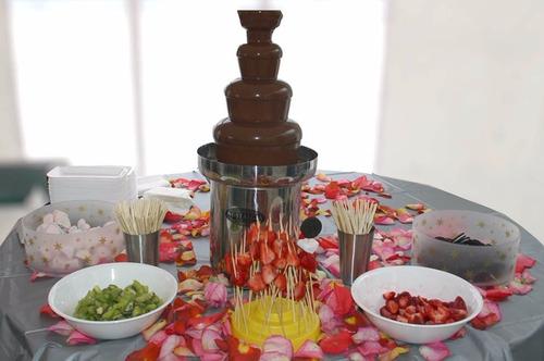 alquiler fuente de chocolate 4 niveles, fiestas y reuniones.