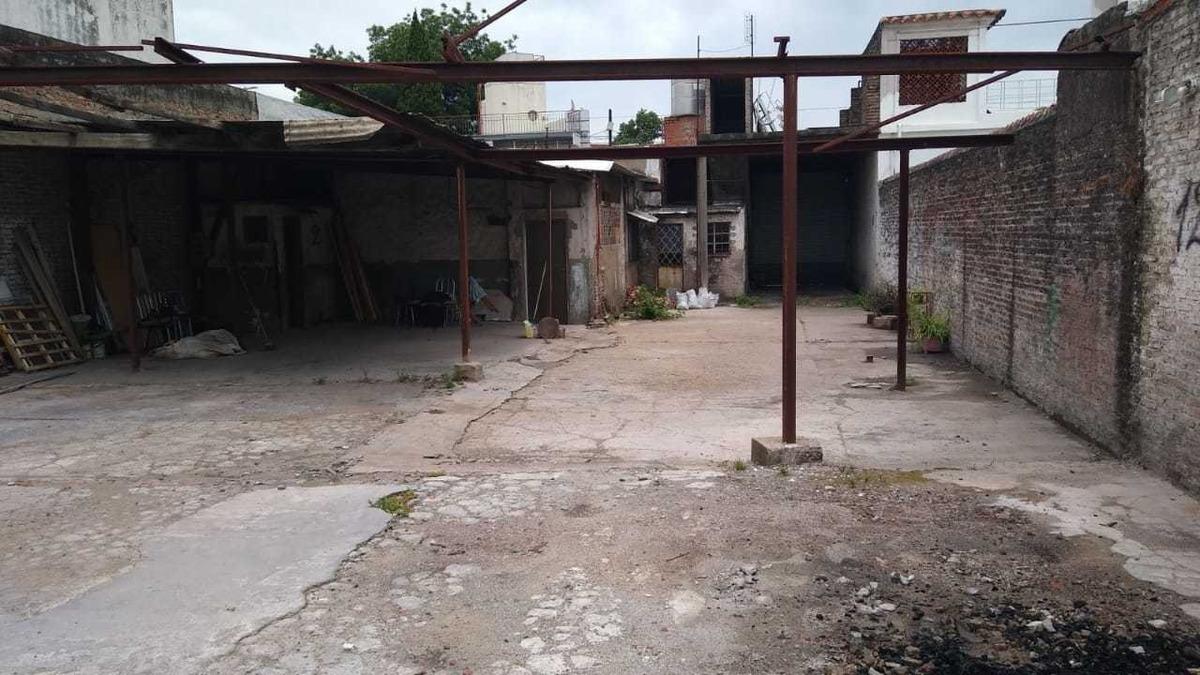 alquiler garage 15 vehiculos 290 m2  caseros