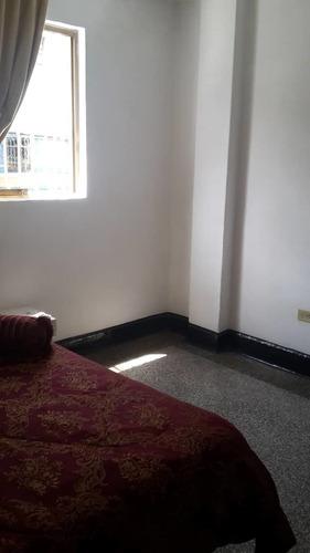 alquiler  habitacion para caballero de orden (baño privado)