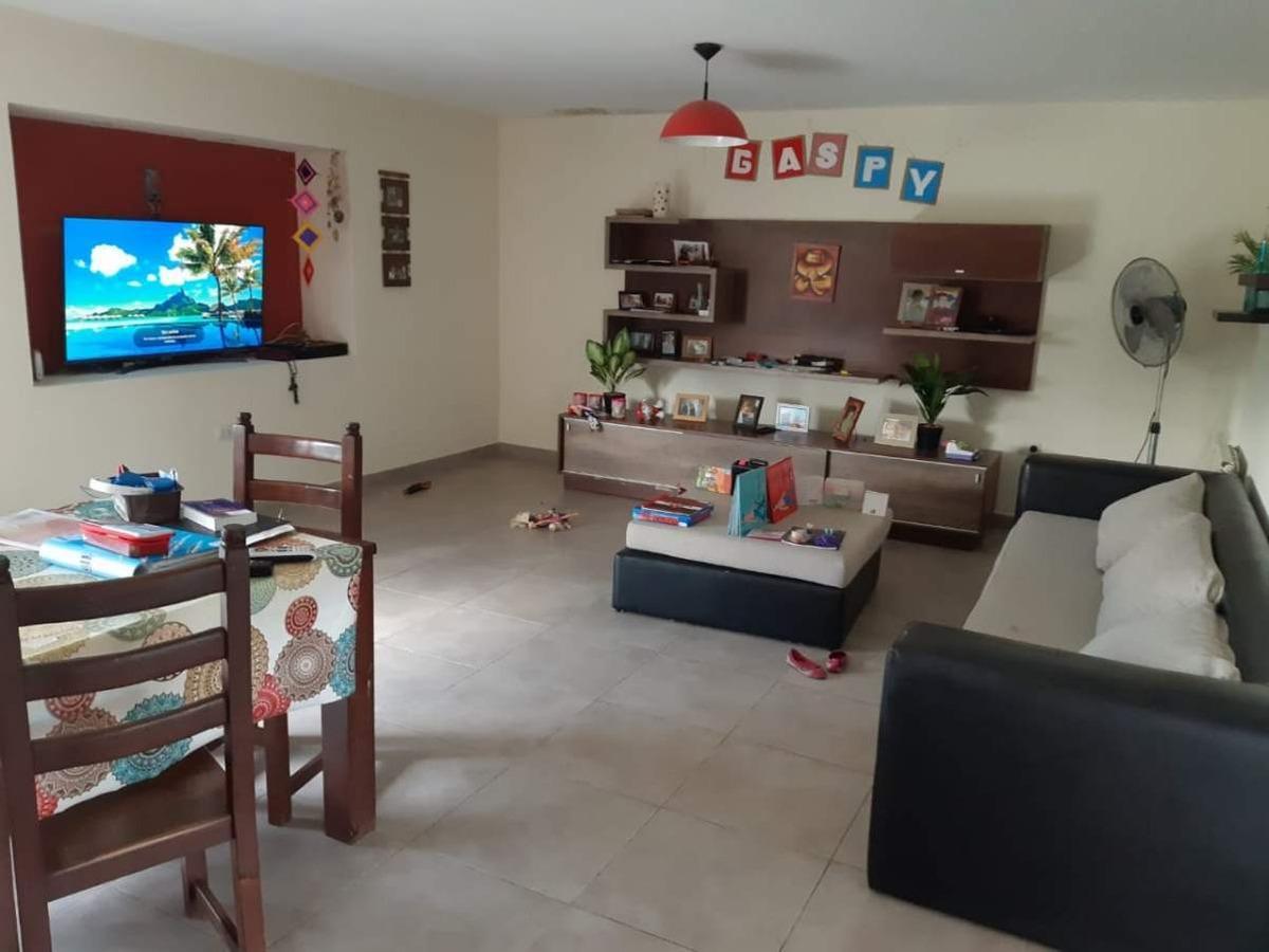 alquiler hermosa casa en barrio cerrado causana country! recibo menor tejas 3, siete soles.