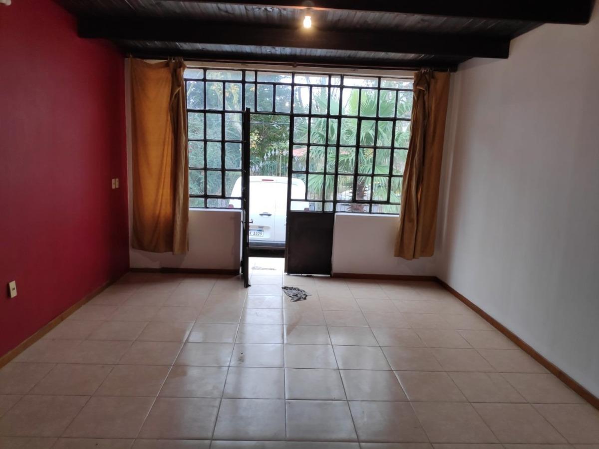 alquiler impecable casa en atahualpa