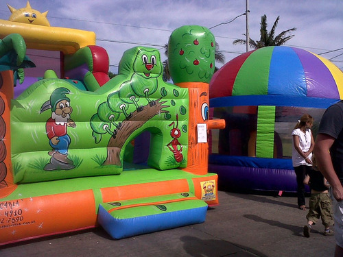 alquiler inflable chico cancha ring tobogan rampa agua toro