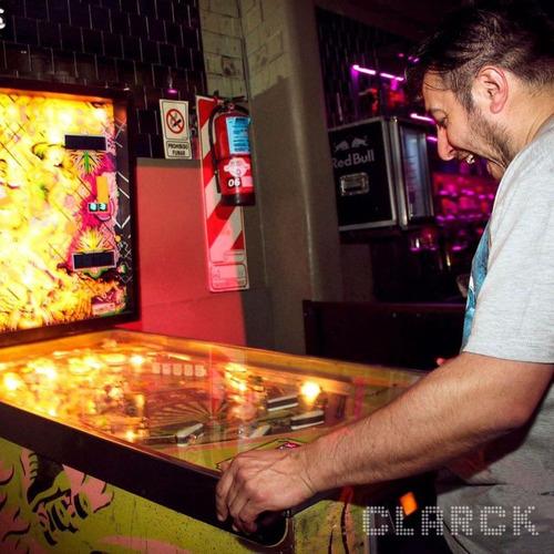 alquiler juegos electronicos para eventos flippers daytona ,