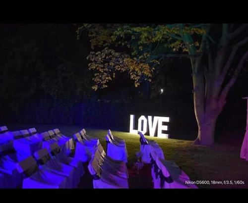 alquiler letras corporeas luminosas ´love´ decoración