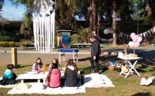 alquiler living picnic sillas mesas vajilla decorac manteles