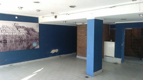 alquiler local 120 m2 depósito, baños, zona terminal