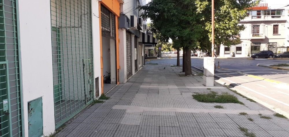 alquiler local 71 m2 villa luro patron y larrazabal