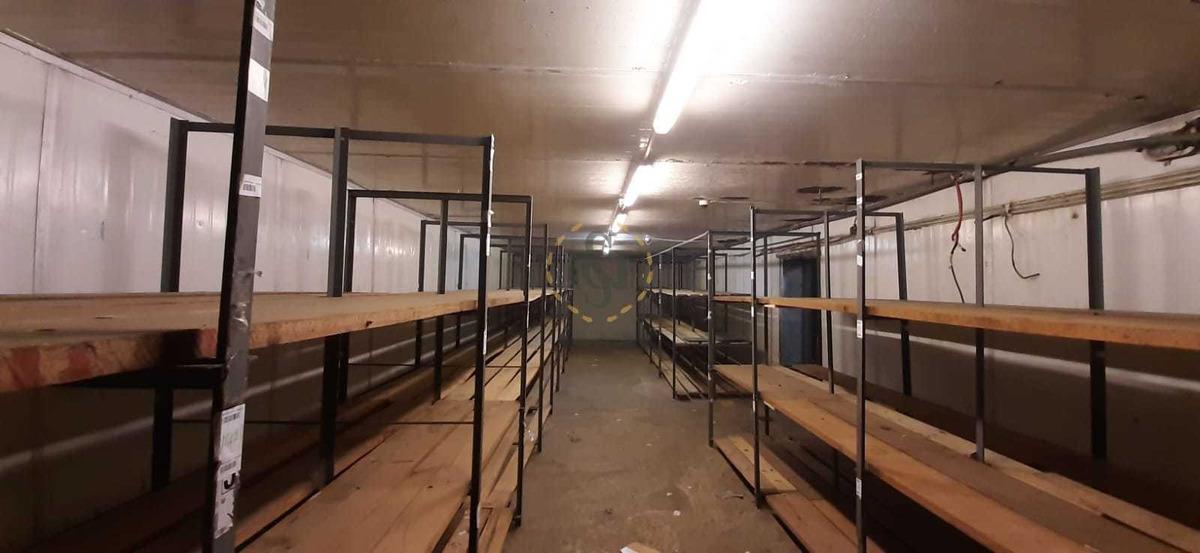 alquiler local aguada con dock interno, racks y camaras