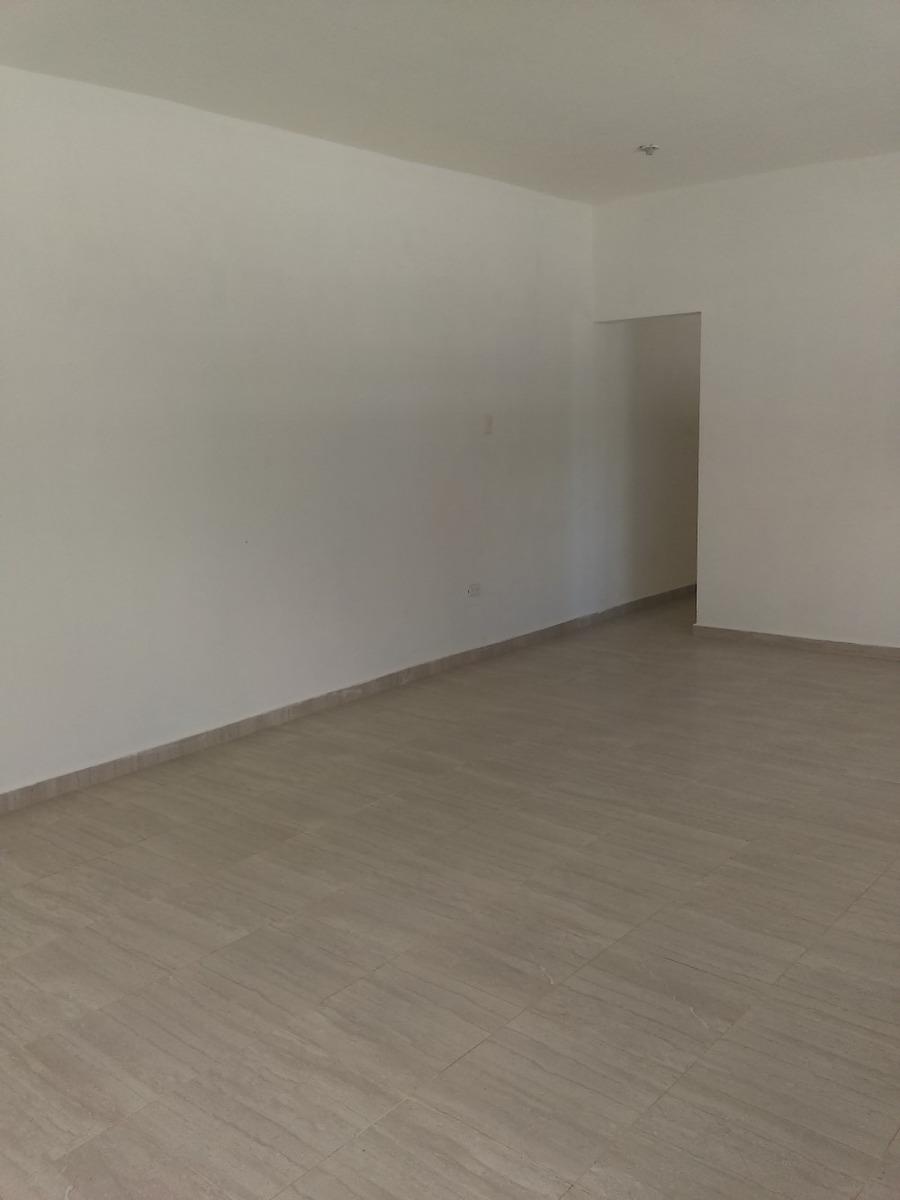 alquiler  local comercial en gascue. 2do piso