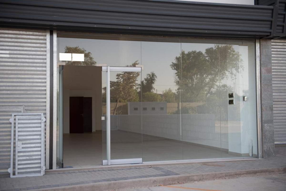 alquiler local comercial miradores manantiales - 77 m2