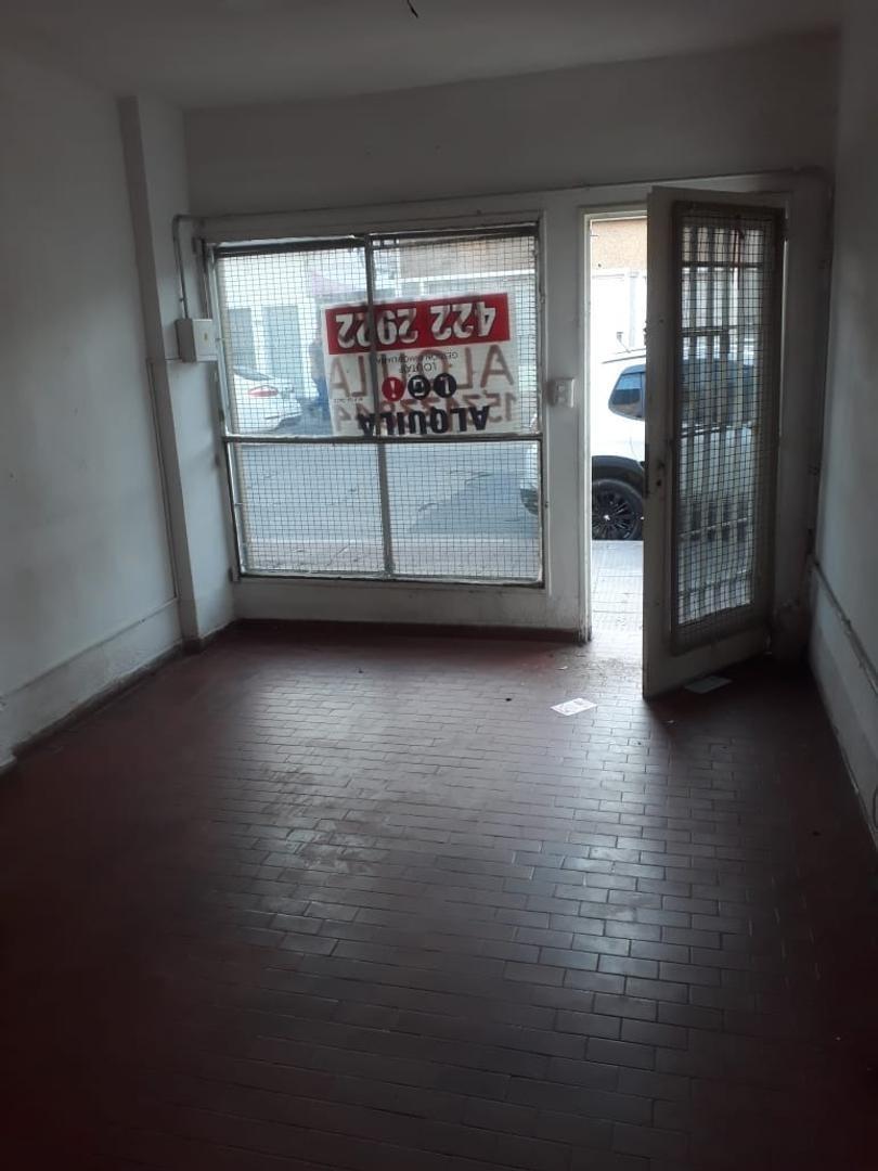 alquiler- local comercial sobre maestro vidal