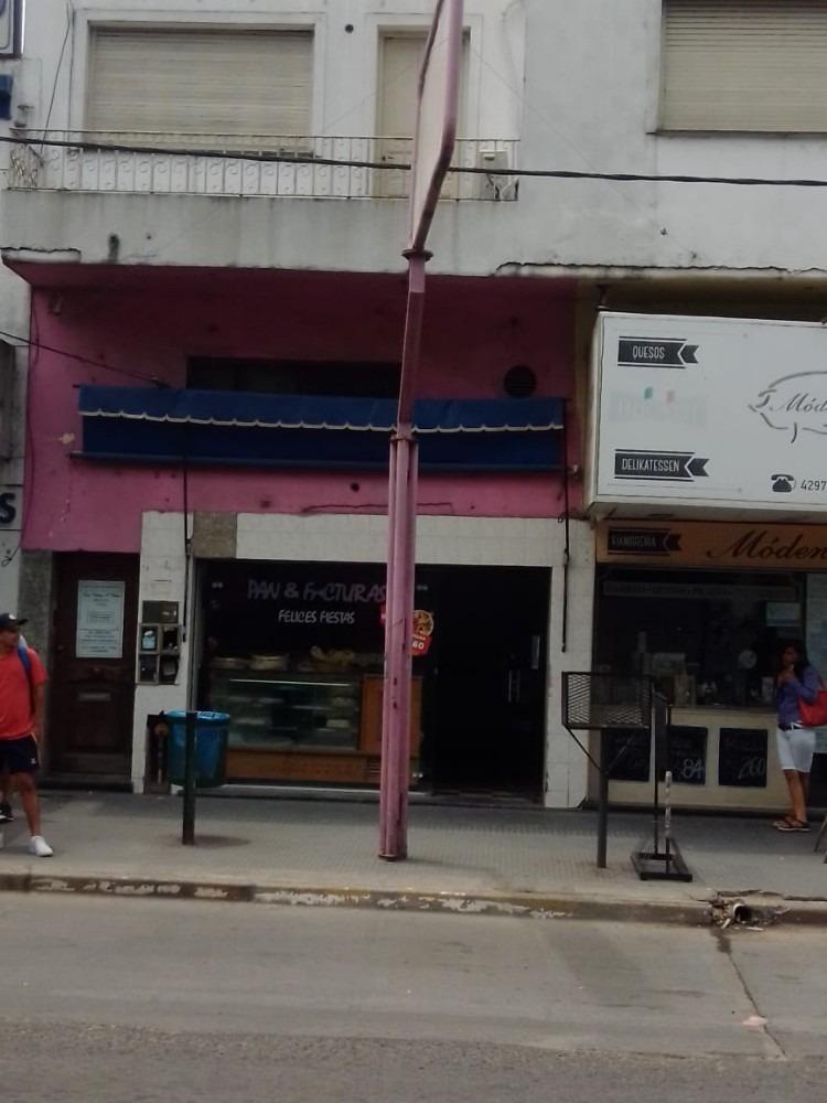 alquiler local frente estacion longchamps