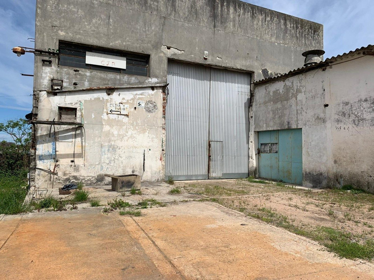 alquiler local industrial superficie de 1600m² - zona unión
