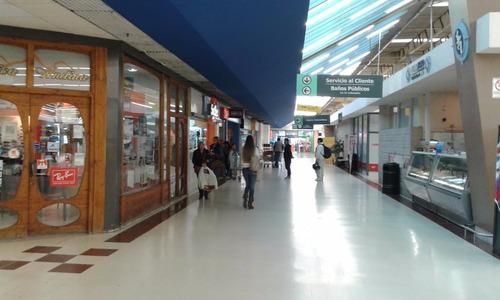 alquiler local o stand galería carrefour mendoza azul