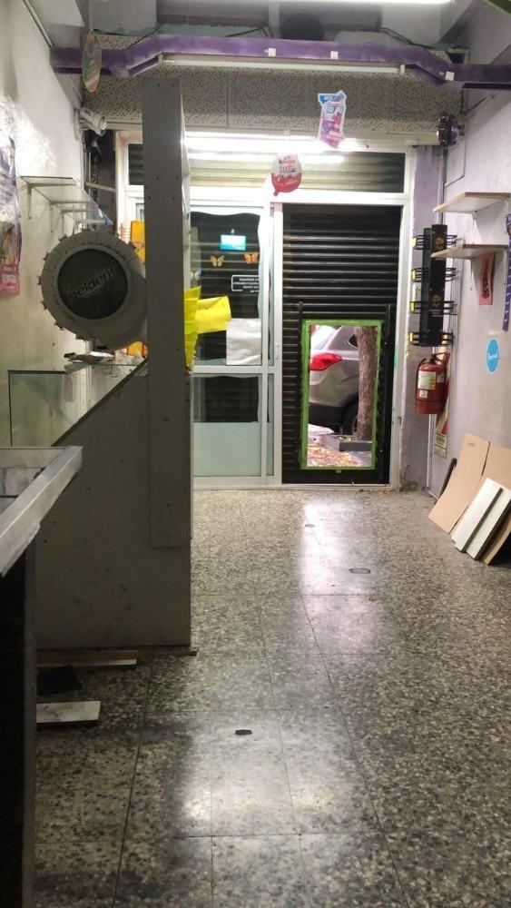 alquiler local sobre avenida comercial villa martelli