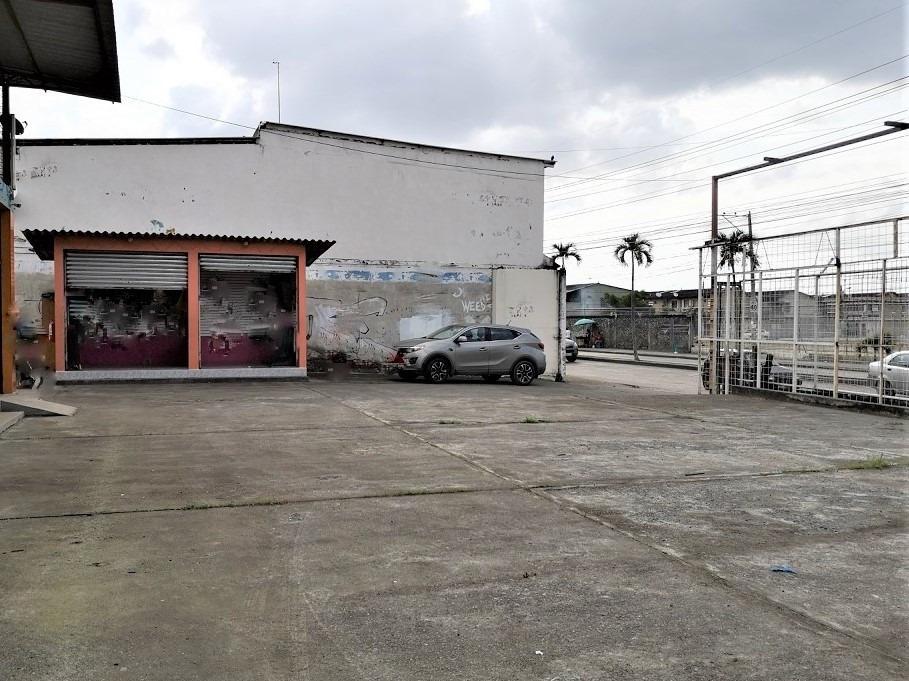 alquiler local y terreno  950 m2  las orquideas, guayaquil